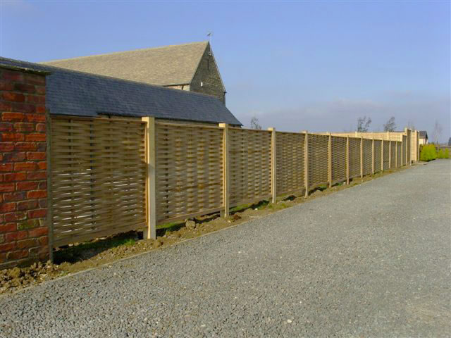 oak-fencing-post