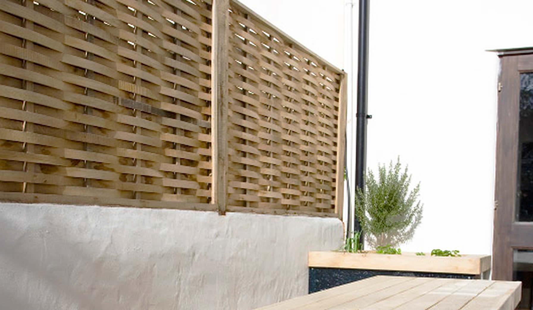 oak-fencing-post