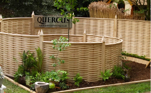 curved-fencing
