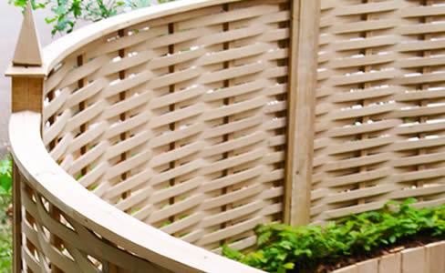 oak-curved-fencing